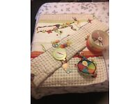 Nursery bedding for cot