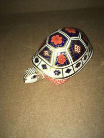 Rare Royal Crown Derby Old Imari 1128 Tortoise Paperweight