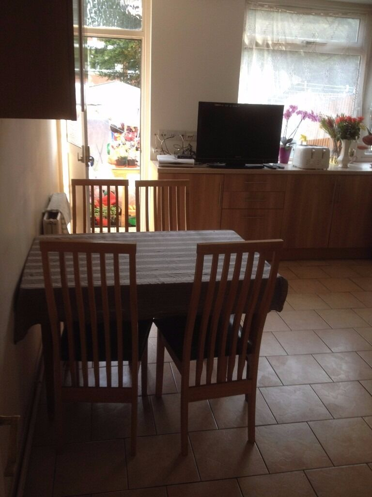 Large single room or double room available for couple