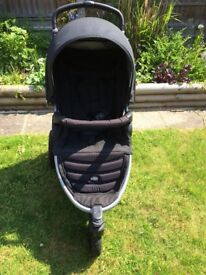 Britax B Motion 3 excellent condition with NEW raincover