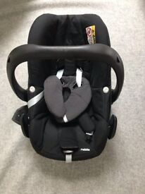 Maxi Cosi Pebble Car Seat Group 0+ Excellent condition