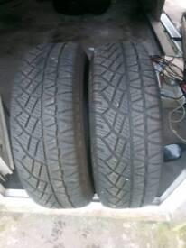 Tyres 225/60/17 x2