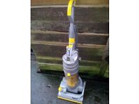 Dyson dc04 vacuum cleaner hoover very clean for spares or repairs