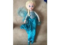 Elsa frozen cuddly singing doll