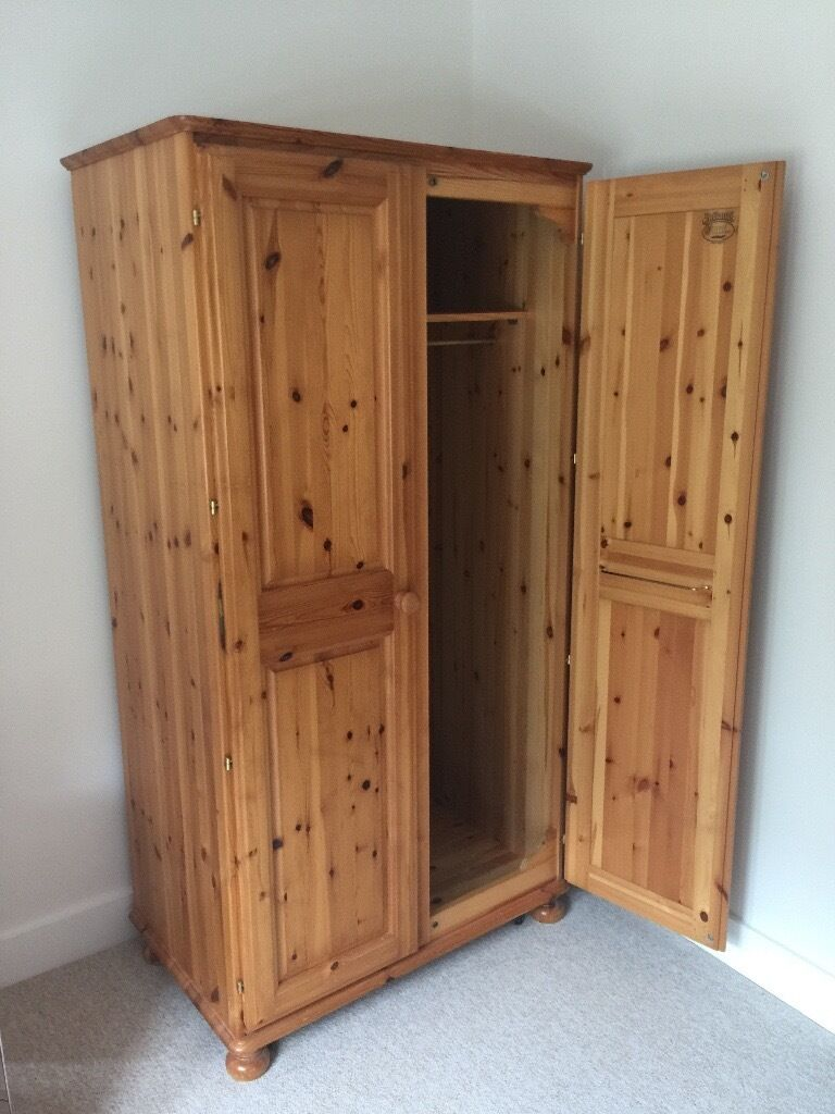 Pine Bedroom Chest Of Drawers Pine Bedroom Furniture Matching Wardrobe Chest Of Drawers And