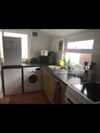 LOVELY SUNNY STUDIO FLAT WITH GARDEN SITUATED NEAR EXMOUTH TOWN AND SEAFRONT