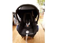 Maxi Cosi Cabriofix Baby Car Seat £50.00 - free isofix base and spare car seat included