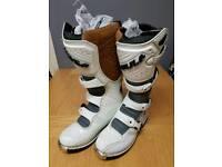 Wulf motorcross boots size 9