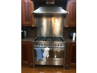 Smeg 6 Stove and extractor