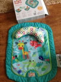 Fisher price foldable baby bouncer, tummy time mat and baby gym/ ball pit