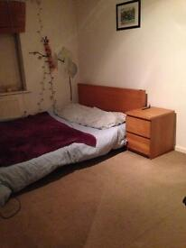 HULME- DOUBLE BEDROOM WITH BILLS AND PARKING INCLUDED