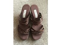 WEDGE SANDALS SIZE 6 BRNAD NEW NEVER BEEN WORN (WITHOUT BOX)