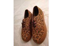 Urban Walk Vexin, Women's Brogue Shoes Fantastic Shoe Sale over 50% OFF