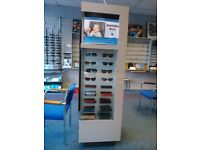 Freestanding display unit