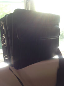 Targus laptop bag, very good condition, only used to store stationary in..PRICE REDUCED