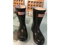 Hunter wellies, Black with gold glitter, size 8 child
