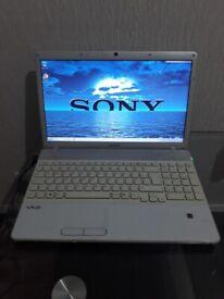 Laptop SONY vayo PCG-71311M