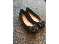 Florence and Fred navy pumps size 5