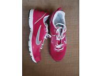 Womens/Girls Nike Trainers