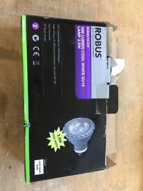 robus 3.5 cool white light bulb lamp x10!!