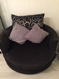 SWivel chair and 2 seater