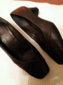Ladies dark brown leather shoes size 4 wide fit