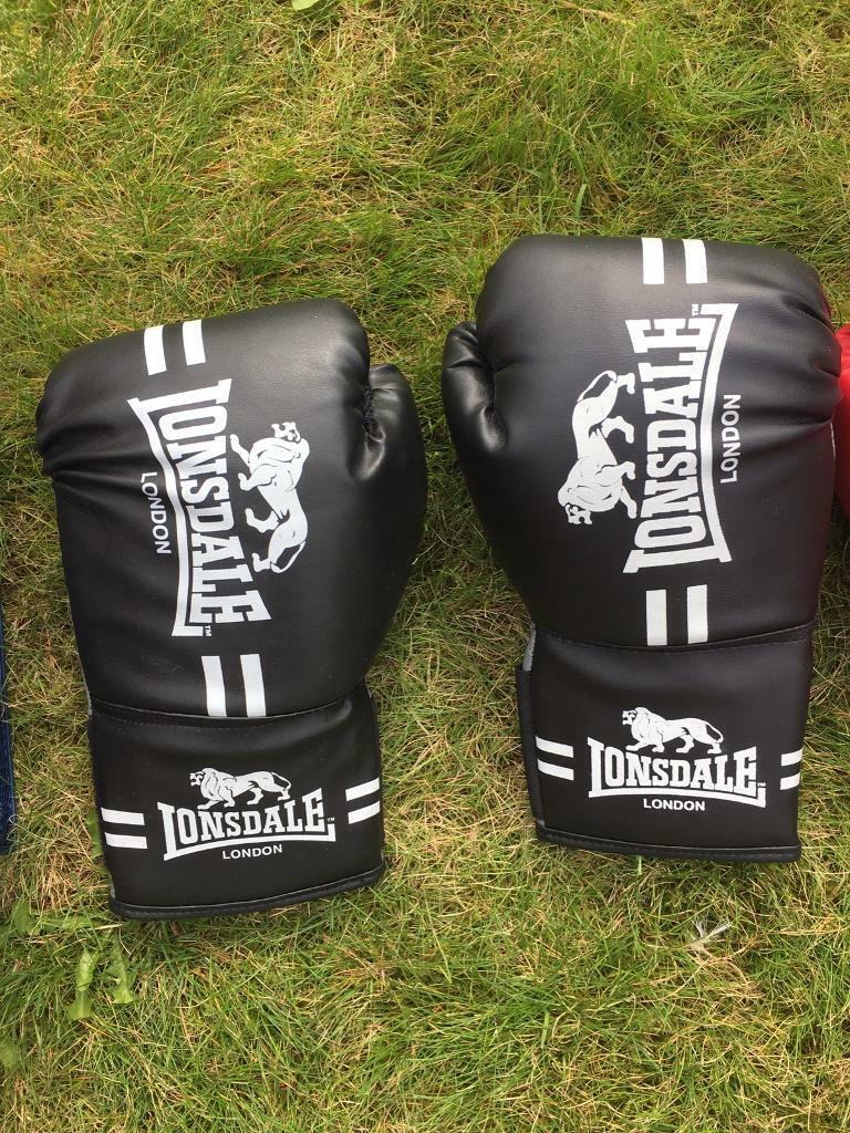 Unused boxing gloves and pads | in Bishopbriggs, Glasgow | Gumtree