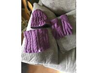 Women's walking hat snood and gloves
