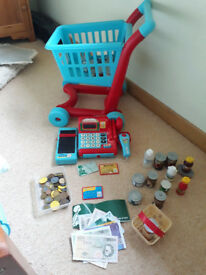 Kids Early Learning Centre Shopping Set.
