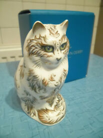 Royal Crown Derby Fifi cat 2nd quaility silver stopper paperweight - great condition