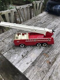 Vintage collectible TONKA toy pressed metal fire engine!
