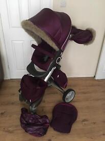 Stokke Xplory V3 in purple with winter kit