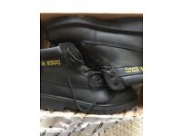 Amblers Safety Boots - UK9 EUR43 - New and boxed