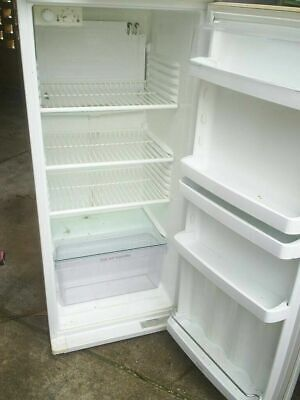 SECOND HAND FRIDGE IN GOOD WORKING ORDER