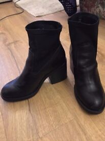 Size 6 1/2 New look boots for sale