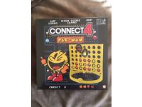 CONNECT 4 - PAC - MAN