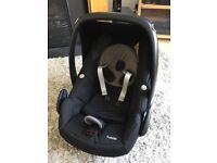 Car seat Maxi Cosi Pebble in excellent condition, with all parts and instructions