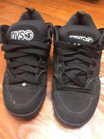 Male DVS Skate Shoes Size USA: 7.5/UK 8.5