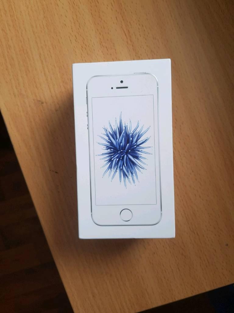 I Phone se 32gb in sliver brand new unused