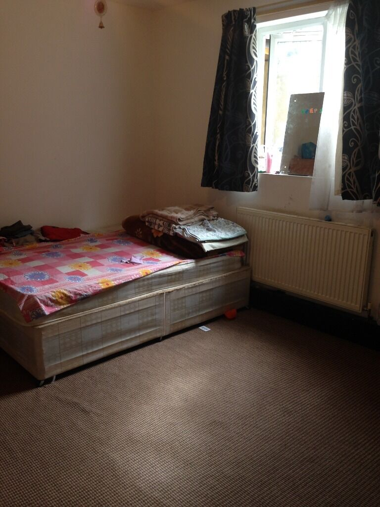 1 BED FLAT TO RENT IN SEVEN KINGS FOR £950 WITH ALL BILLS INCLUDED!! 5 MIN WALK TO SEVEN KINGS ST!