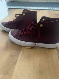 Converse burgundy size 8 high rise trainers