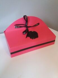 VICTOR & ROLF 'BON BON' GIFT SET, BRAND NEW-SEALED,3 ITEMS, COLLECTION OR DELIVERY. TEL.07803366789