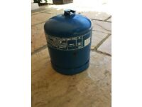 Campingaz 907 refillable cylinder - more than half full! Good condition cylinder used only 4 times