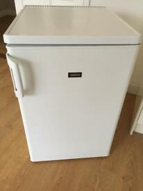 Zanussi under counter fridge (FREE DELIVERY)