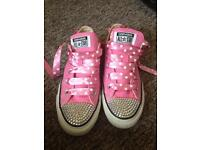 Size 4 pink converse