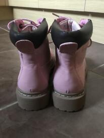 Ladies size 6 pink boots