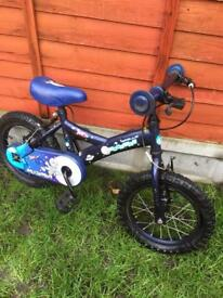 "Kid bike ""moon man"" with stabilisers"