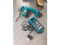 Makita tile cutter with battery and charger