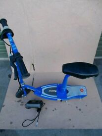 Electric scootet e100 with seat blue