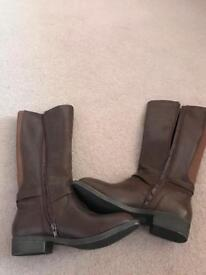 Long brown miso boots